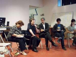 David Leigh contestando a las preguntas de los asistentes