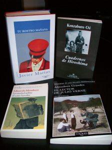 Algunas de las nuevas adquisiciones: Marías, Oé, Mendoza y Grandes