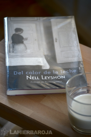 Del-color-de-la-leche-sello